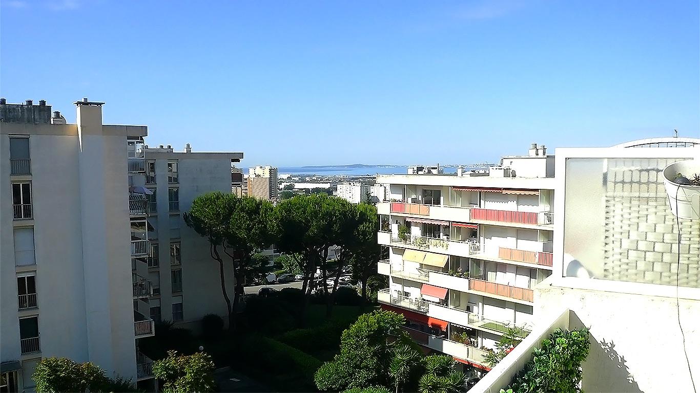 Location Nice – Spacieux T2 de standing avec terrasse et parking