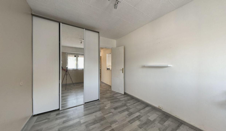 3-pieces-traversant-de-5877m2-terrasse-Ouest-Balcon-Est-03222021_154555