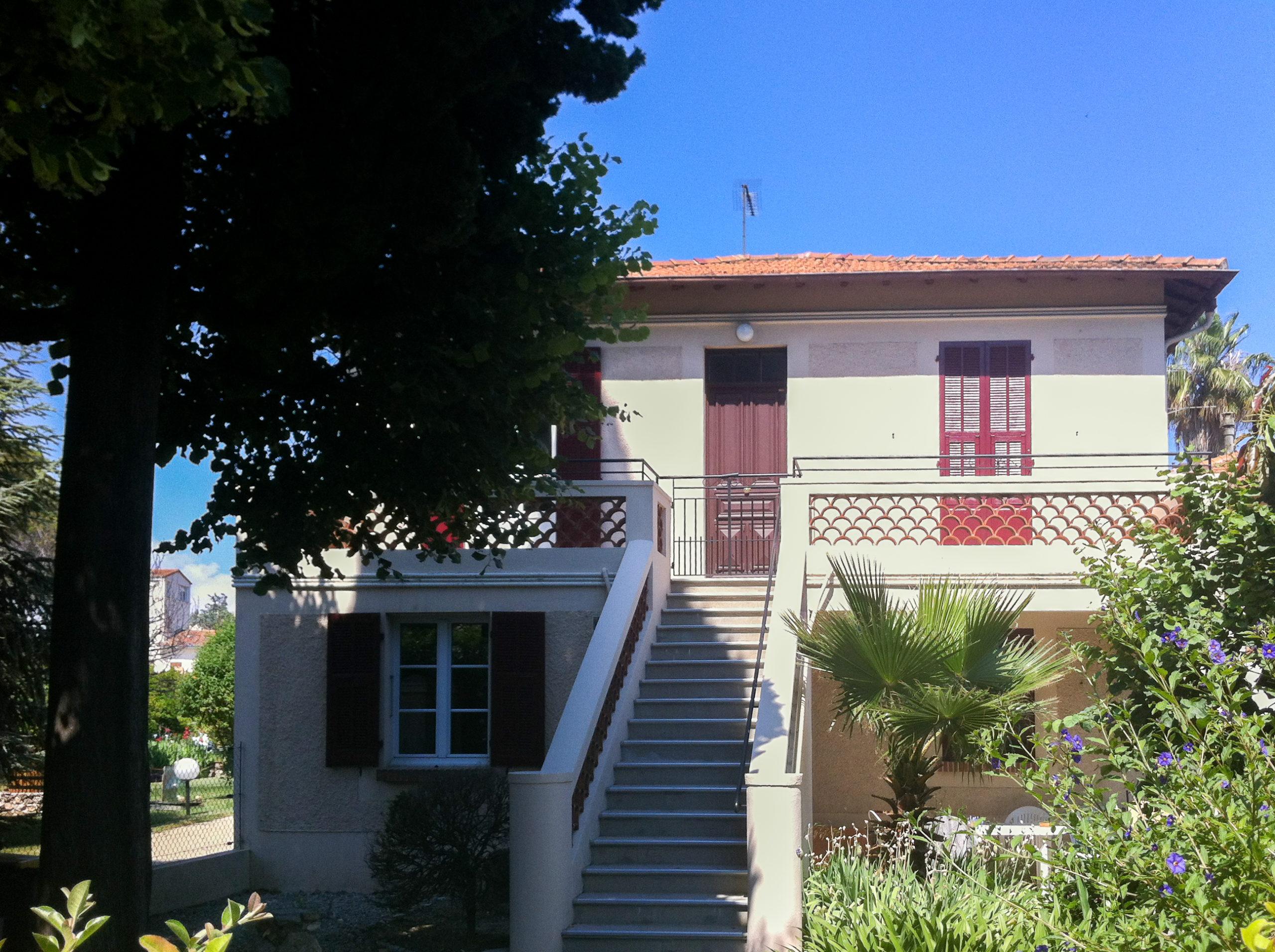Location Cagnes/mer – 3 pièces Haut de Villa + 2 Parking